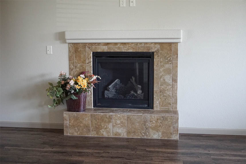 gas fireplace in 176 night hawk