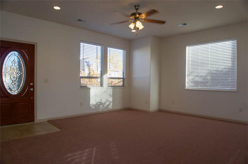 161 Sun Hawk living room & entry