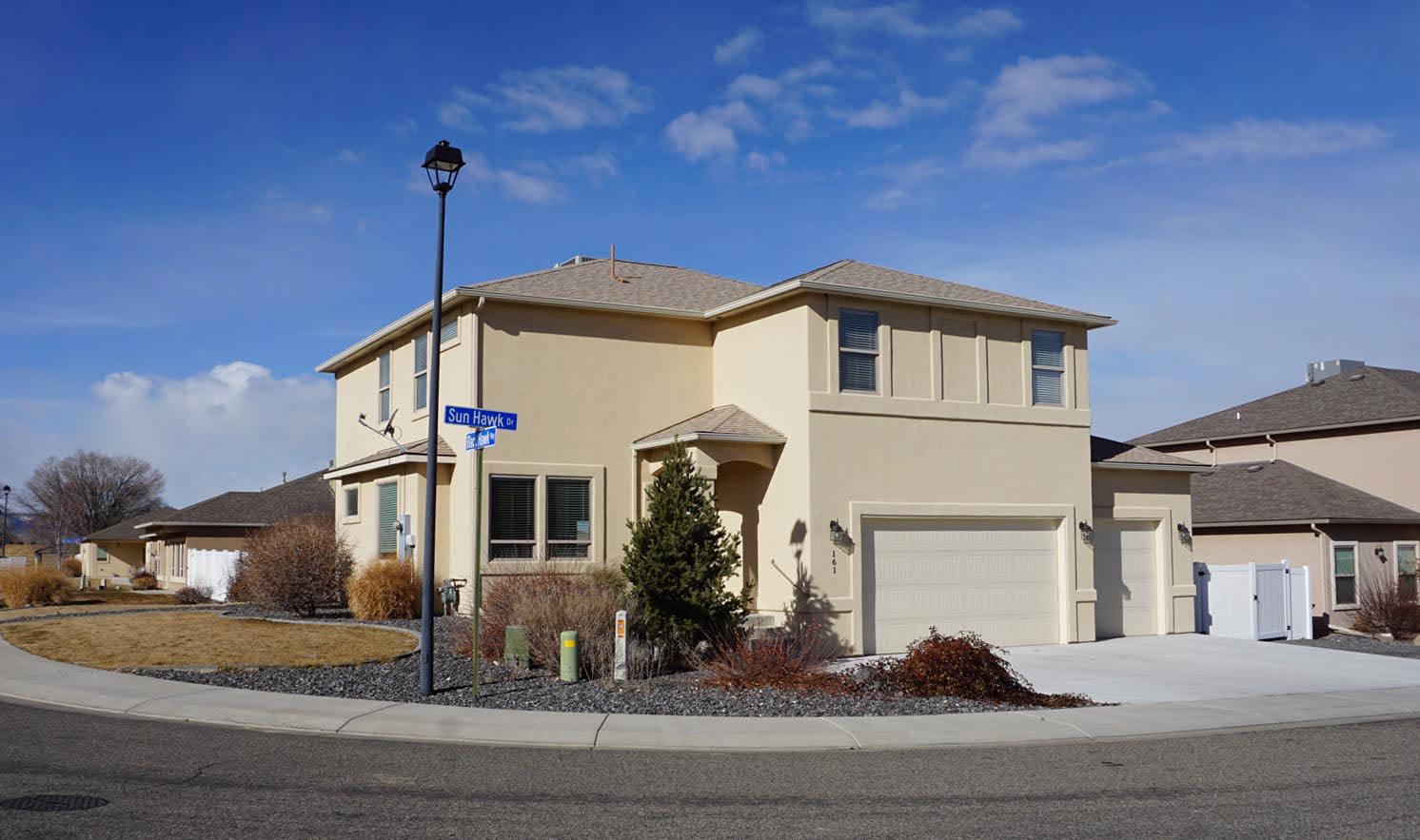 161 Sun Hawk Drive - 5 bedroom 3 bath home with RV parking