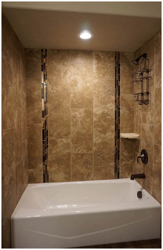 Bathroom Tile - 1' x 2' Vertical with Glass Accent