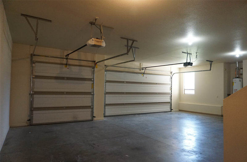 169 Sun Hawk has an oversized 3-car garage with two garage door openers!