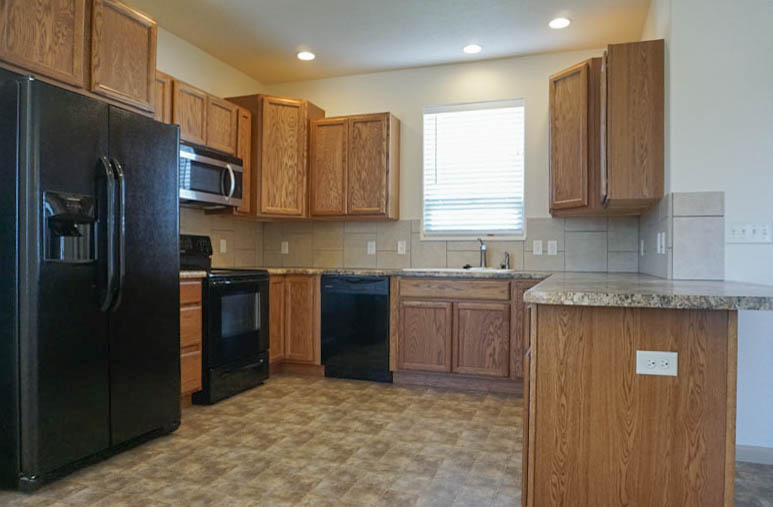 Large kitchen in 169 Sun Hawk