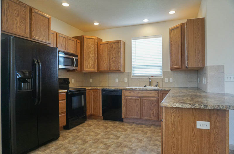 169 Sun Hawk Kitchen includes appliances