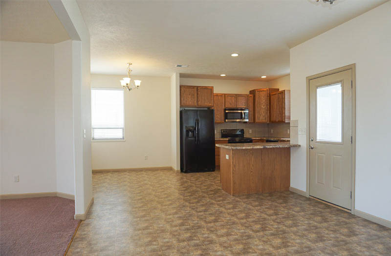 Kitchen & Breakfast Nook of 169 Sun Hawk