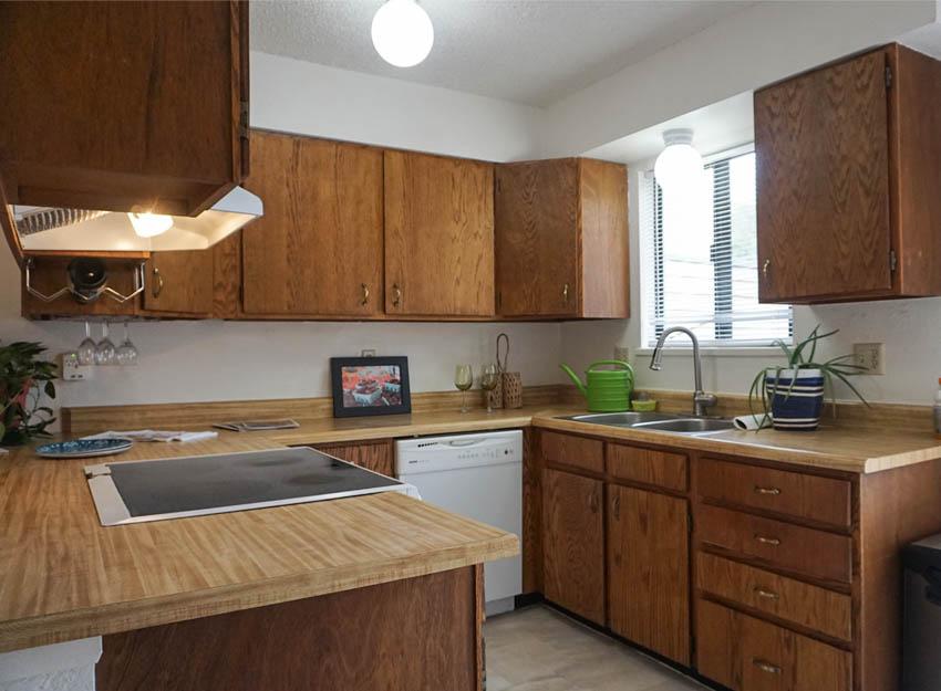 103 Bacon Ct #3 has a u-shaped kitchen.