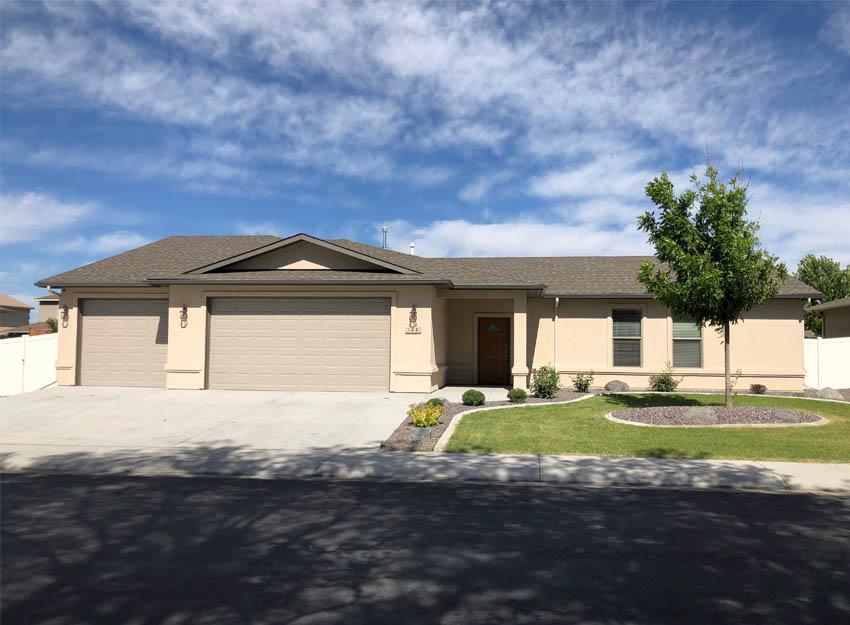 188 Night Hawk Drive, Grand Junction, CO, 4 bedroom, 2.5 bath, 3-car garage + RV Parking, 2009 sq. ft.